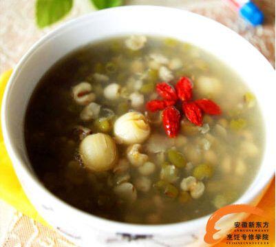 绿豆莲子薏米粥