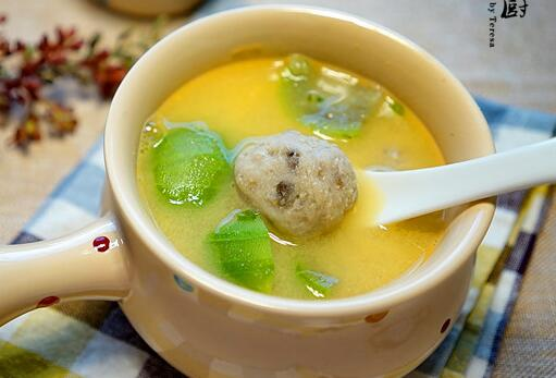 丝瓜贡丸汤