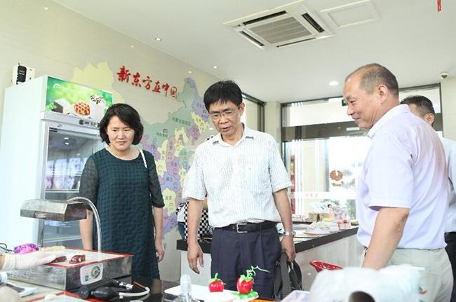 安徽省人社厅领导及技工教育专家莅临我校参观指导
