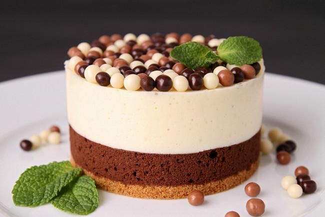 双层巧克力慕斯蛋糕