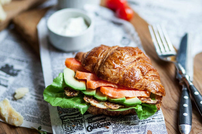 牛角包三明治