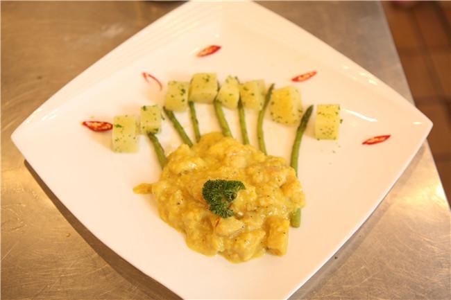 鸡肉竹笋土豆沙拉