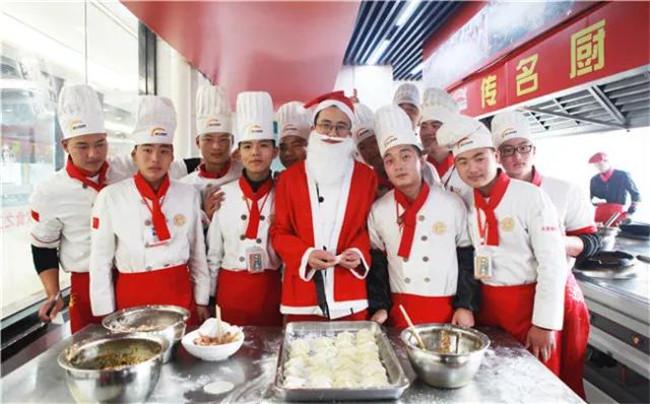 圣诞老人突降送礼——安徽新东方圣诞全民轰趴圆满落幕