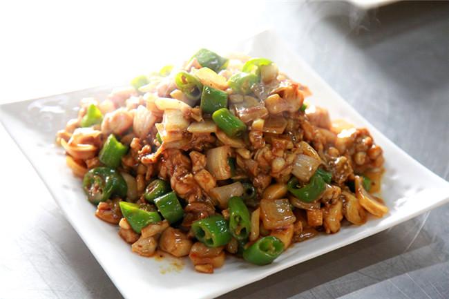 鸡胸肉炒洋葱