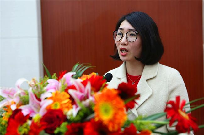 华润万家有限公司人力资源部高级经理陈亚玲发表讲话