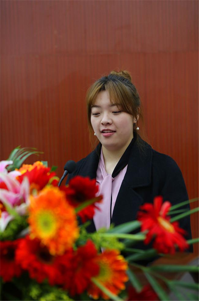无锡蜜桃餐饮管理有限公司人力资源总监陆俐垚讲话