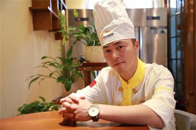 【新生故事】张启昭:月薪八千的厨师长为何打算从这里重新起航?