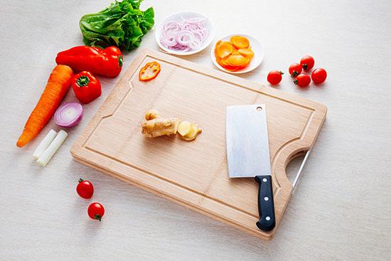 厨房里厨师用的砧板是干什么的