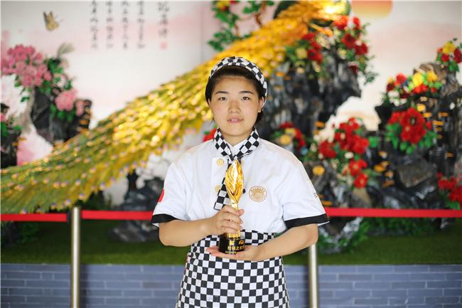 【新生故事】张英琪:这位与影帝同台的16岁校园之星,有话要说!