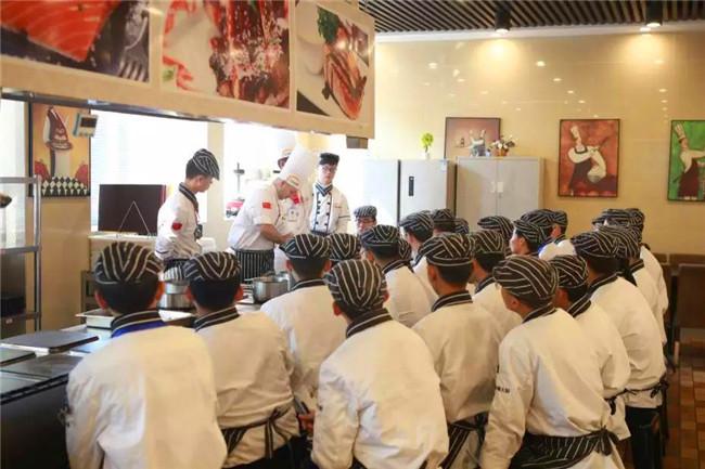 意大利主厨空降安徽新东方,现场亲授西餐专业课程!