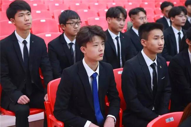 上海吉茶餐饮前来我校开展专场招聘!