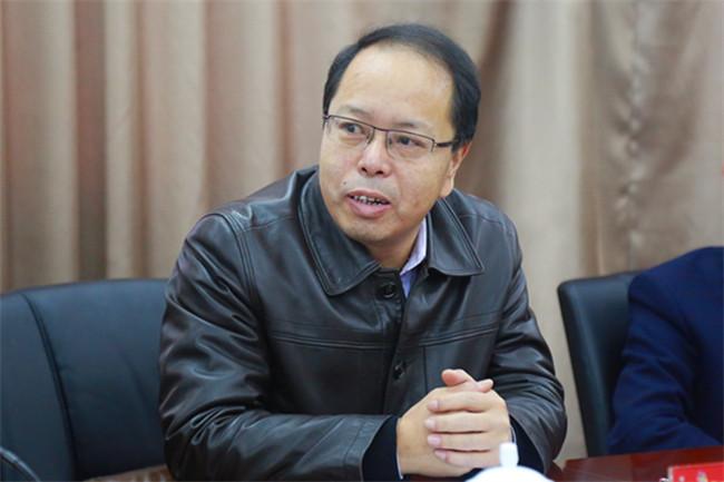 安徽省人力资源和社会保障厅职业能力建设处主任胡建华作出要求