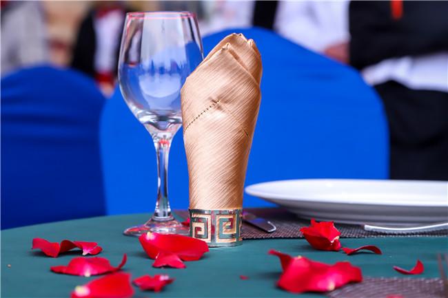 情人节,你需要的是一场浪漫的西餐盛宴!