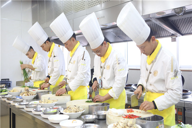新手想学厨师有哪几种途径?
