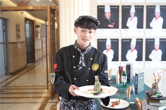 【新生故事】朱汪成:被时光偷走的那两年青春,我想从这里找回来!