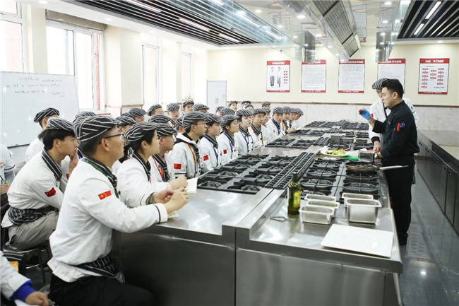 【名校体验2.0】合肥富力威斯汀酒店厨师长前来我校授课啦!