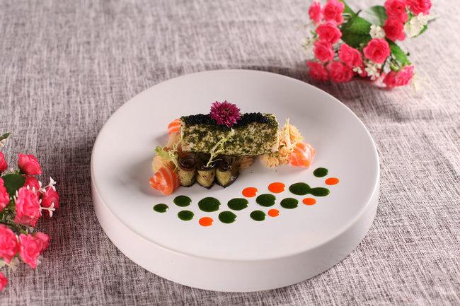 青汁肉卷配三文鱼
