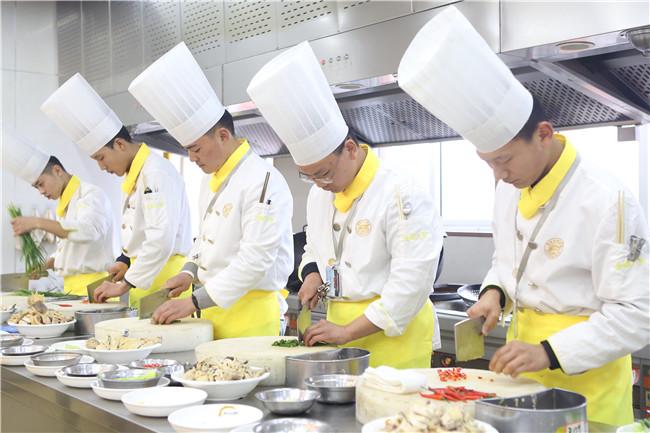 新东方学厨师2年有用吗?