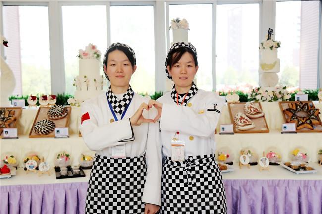 双胞胎姐妹花相约学西点,只因在这里遇见了甜蜜的未来!