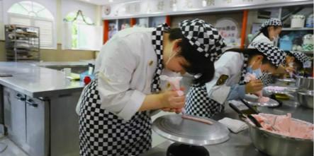 【新生故事】闫云燕:西点女孩的梦想与未来!