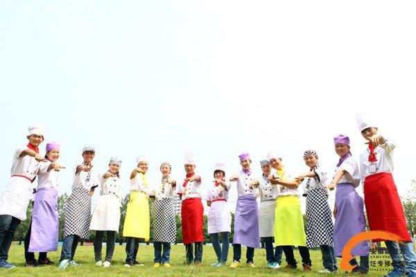我们是女生  我们来安徽新东方学厨师