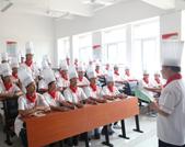 安徽新东方学生访谈--大厨精英12-04班范佰万