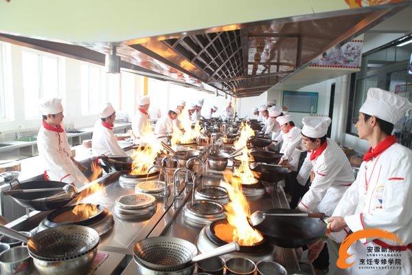选择安徽合肥厨师培训学校及专业的四大注意事项