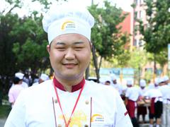 丁壮:高中毕业学厨师  开启美好未来